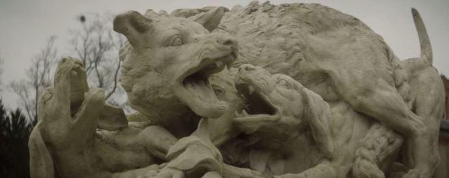 Booba LVMH D.U.C Château de Breteuil Loup lutte avec des chiens