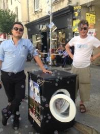 Parade Festival d'Avignon OFF 2016 machine à laver