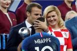 Emmanuel Macron Kylian MBappé finale coupe du monde 2018